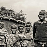 Kinder im Maasai Dorf, Kenia